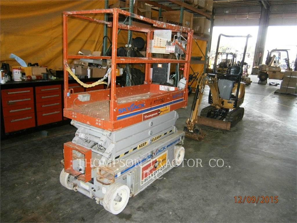 Skyjack 19 ELECTRIC SCISSOR LIFT, lift - scissor, Construction