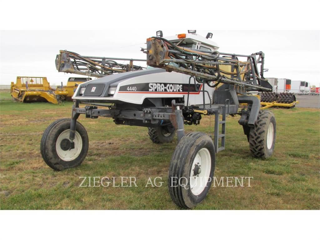 SpraCoupe 4440、スプレーヤ、農業