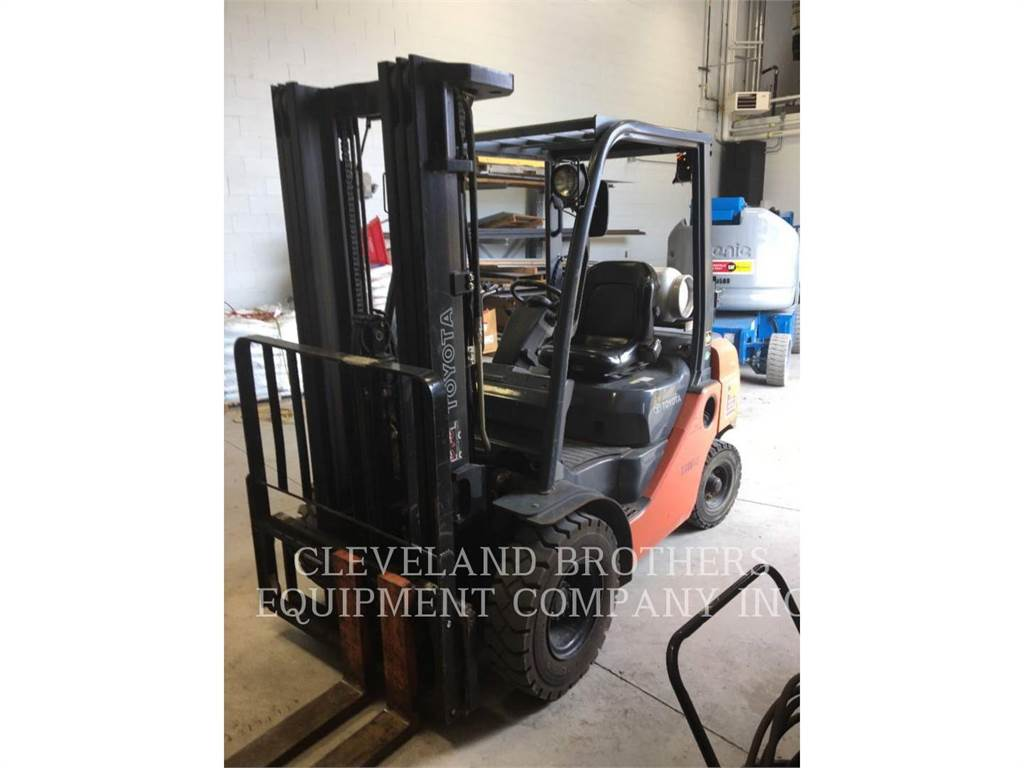 Toyota 8FGU25, Misc Forklifts, Material Handling
