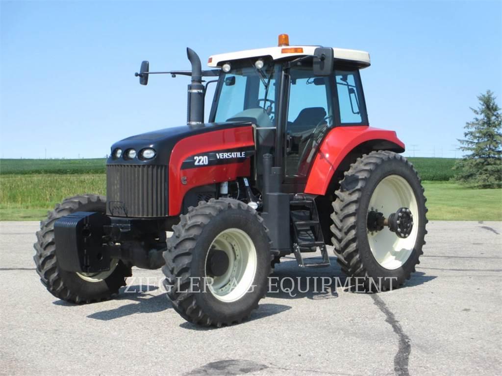 Versatile 220, tractors, Agriculture