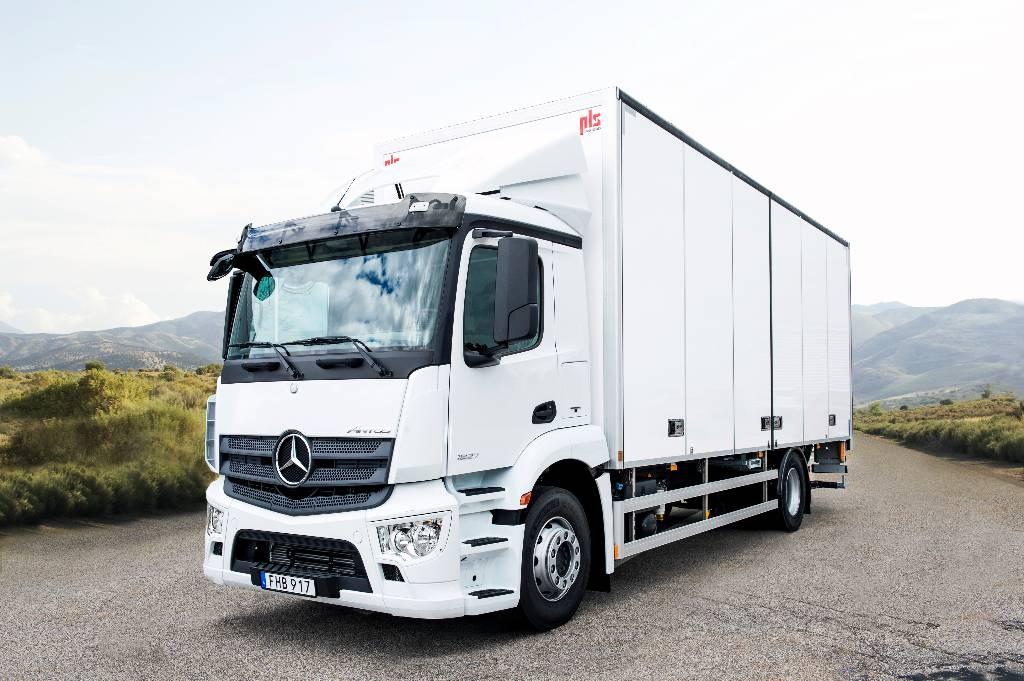 Used mercedes benz antos 1827 l nr box trucks year 2017 for Mercedes benz box truck