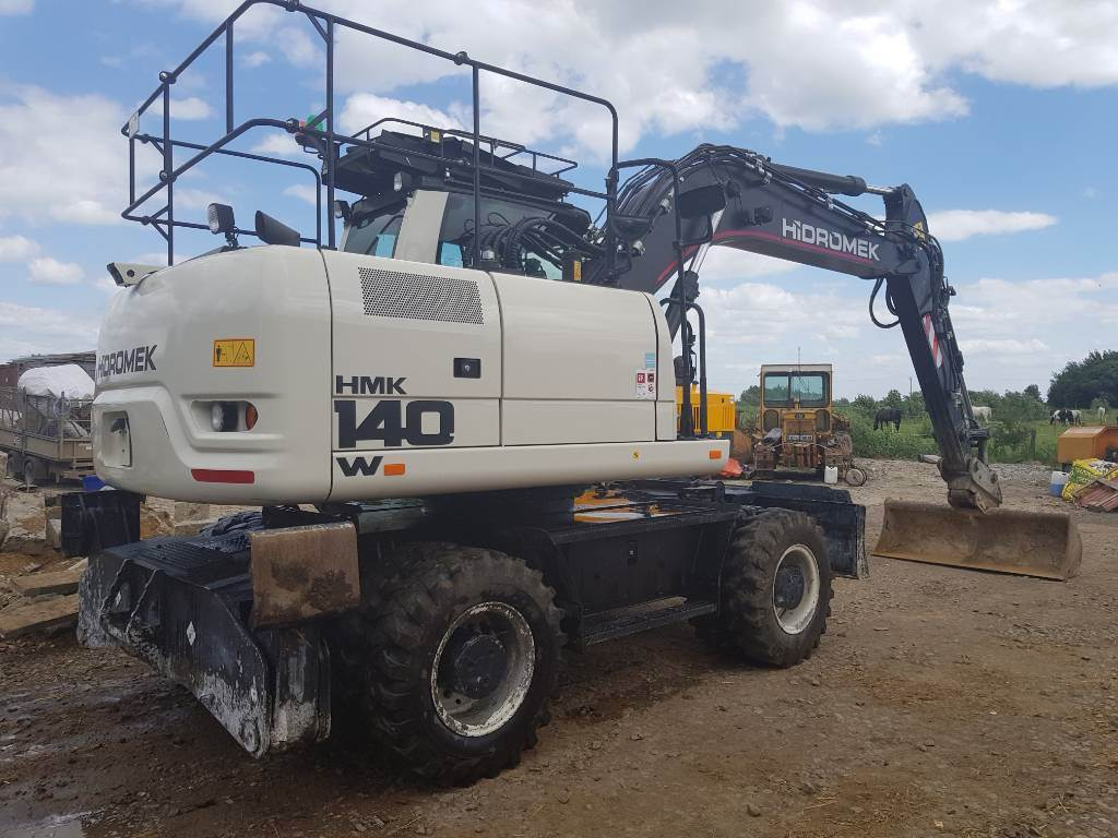 Hidromek HMK 140 W, Wheeled excavators, Construction
