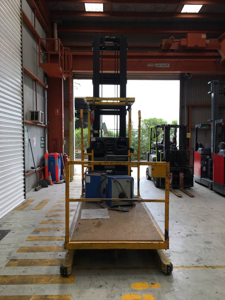 Hyster R30XMF2, High lift order picker, Material Handling