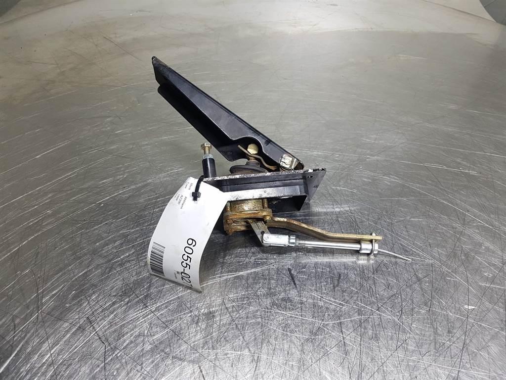 Ahlmann AZ200 - 4184957A - Gas pedal/Fussgasbestaetigung