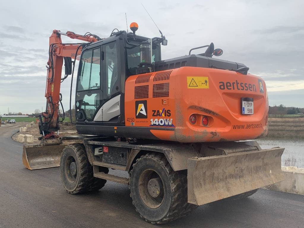 Hitachi ZX 140 W-6 (comes with standard bucket), Wheeled excavators, Construction