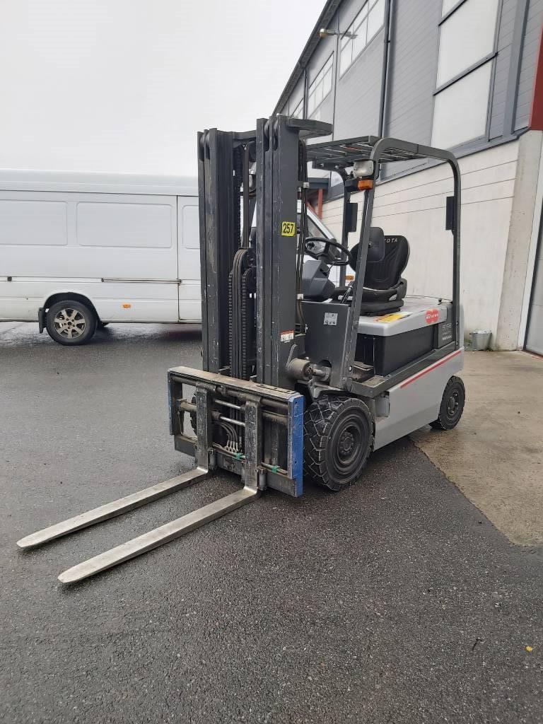 Nissan Q02L25CU, Sähkötrukit, Materiaalinkäsittely