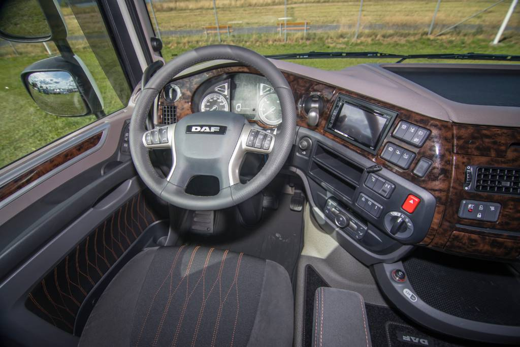 DAF XF FTT 530 - Nordic Edition, Conventional Trucks / Tractor Trucks, Trucks and Trailers