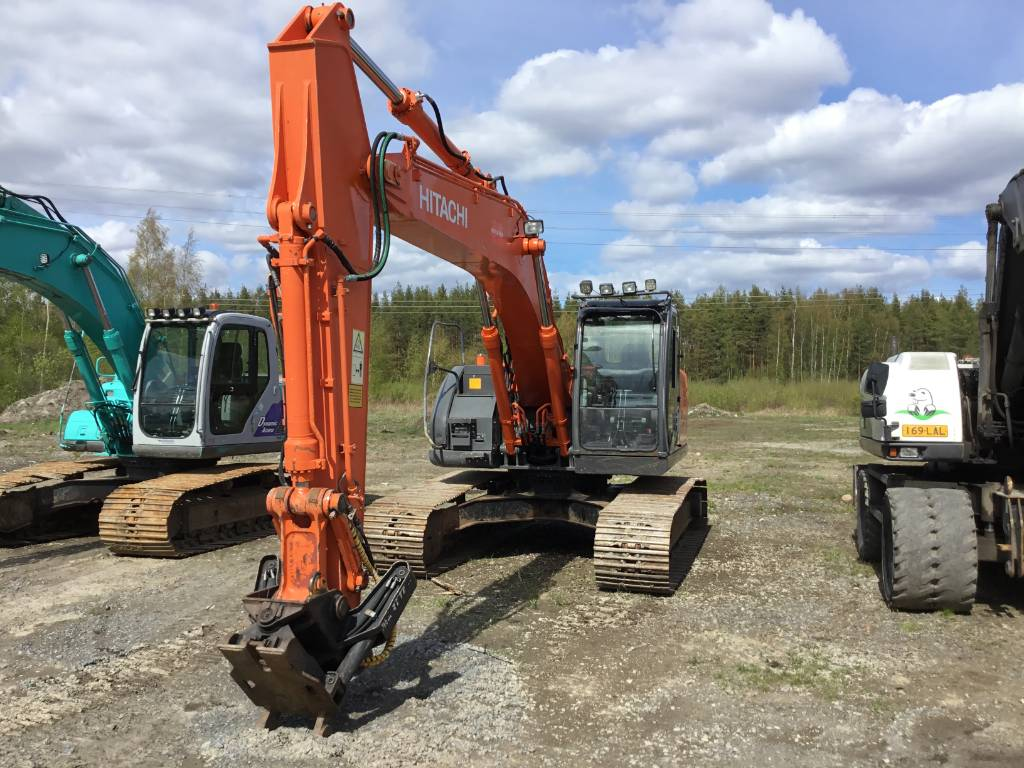 Hitachi ZX225USRLC-3, Crawler Excavators, Construction Equipment