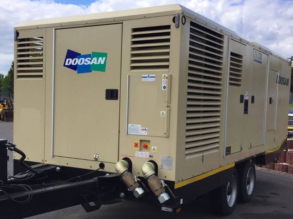 Doosan 25/330, Compressors, Construction Equipment
