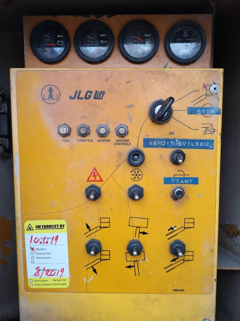 JLG 60 HDE, Iseliikuvad poomtõstukid, Ehitus