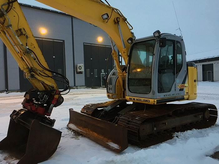 New Holland Kobelco 135 - Crawler excavators - Construction