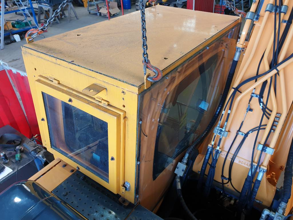 Hyundai Cabin - Armoured, Cabins and interior, Construction