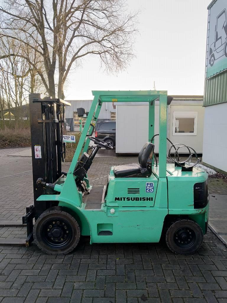 Mitsubishi FG25 Heftruck, LPG heftrucks, Laden en lossen