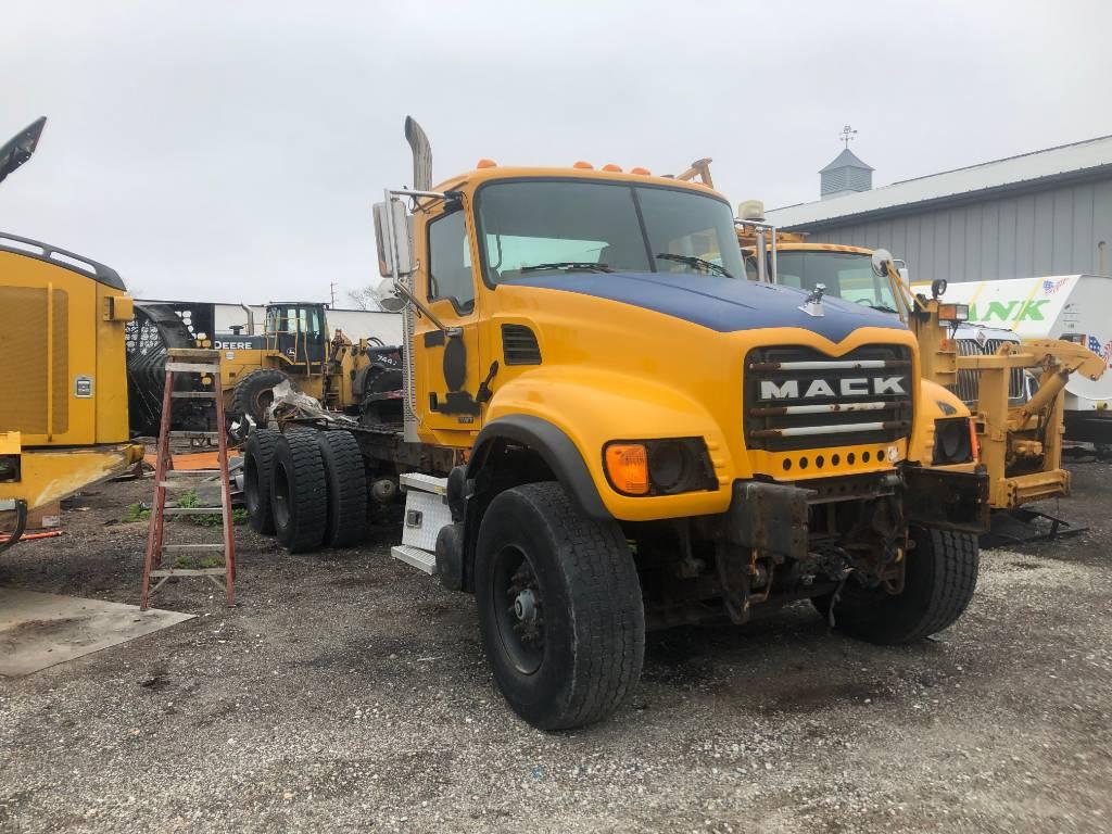 Mack CV713, Conventional Trucks / Tractor Trucks, Trucks and Trailers