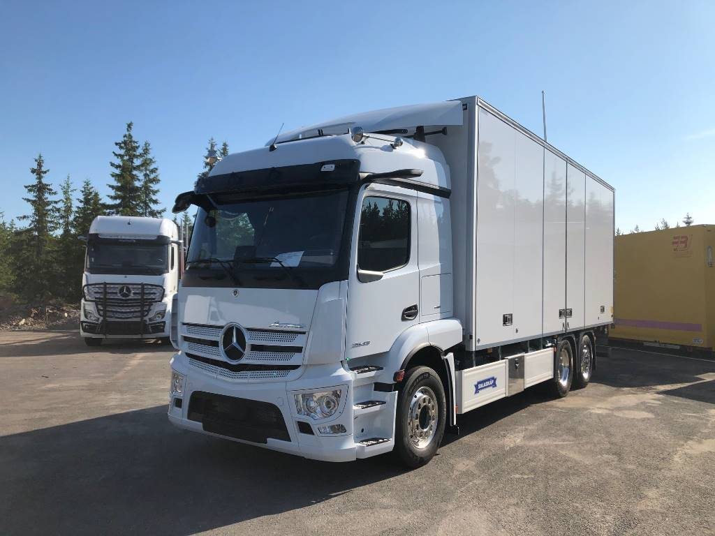 Mercedes-Benz Actros v 2743, Skåpbilar, Transportfordon
