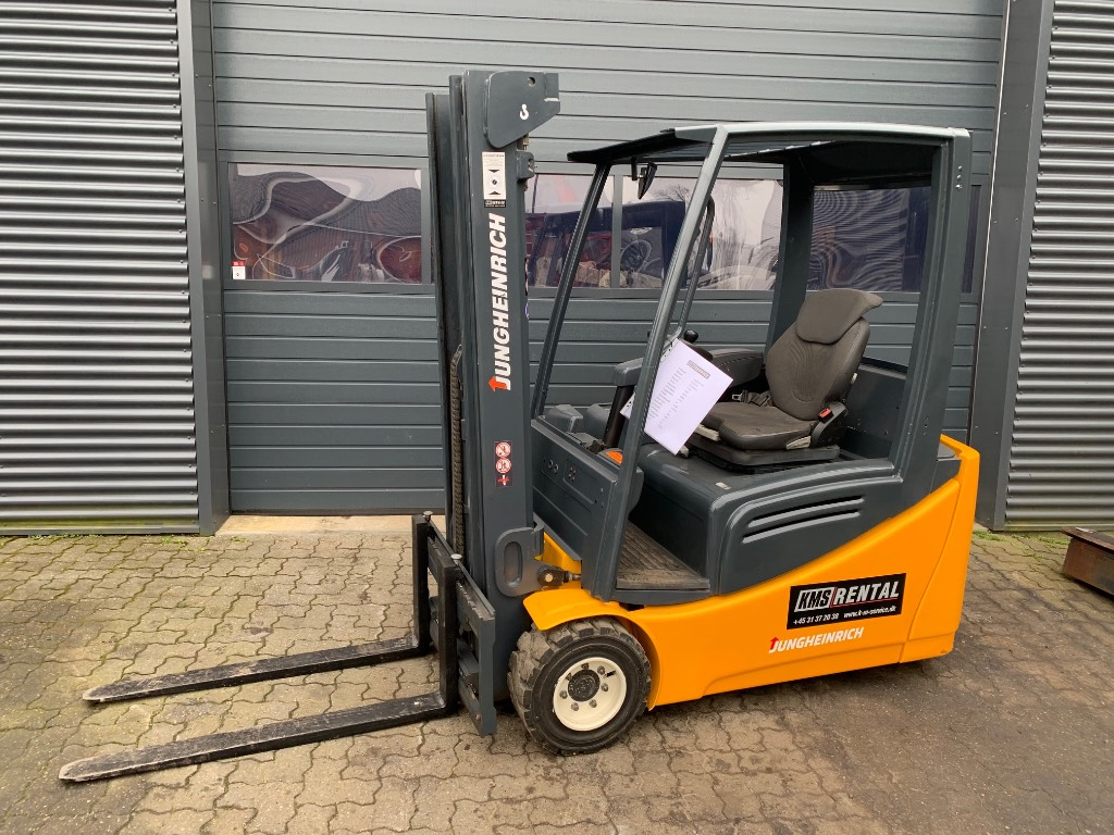 Jungheinrich EFG 218, El gaffeltrucks, Trucks