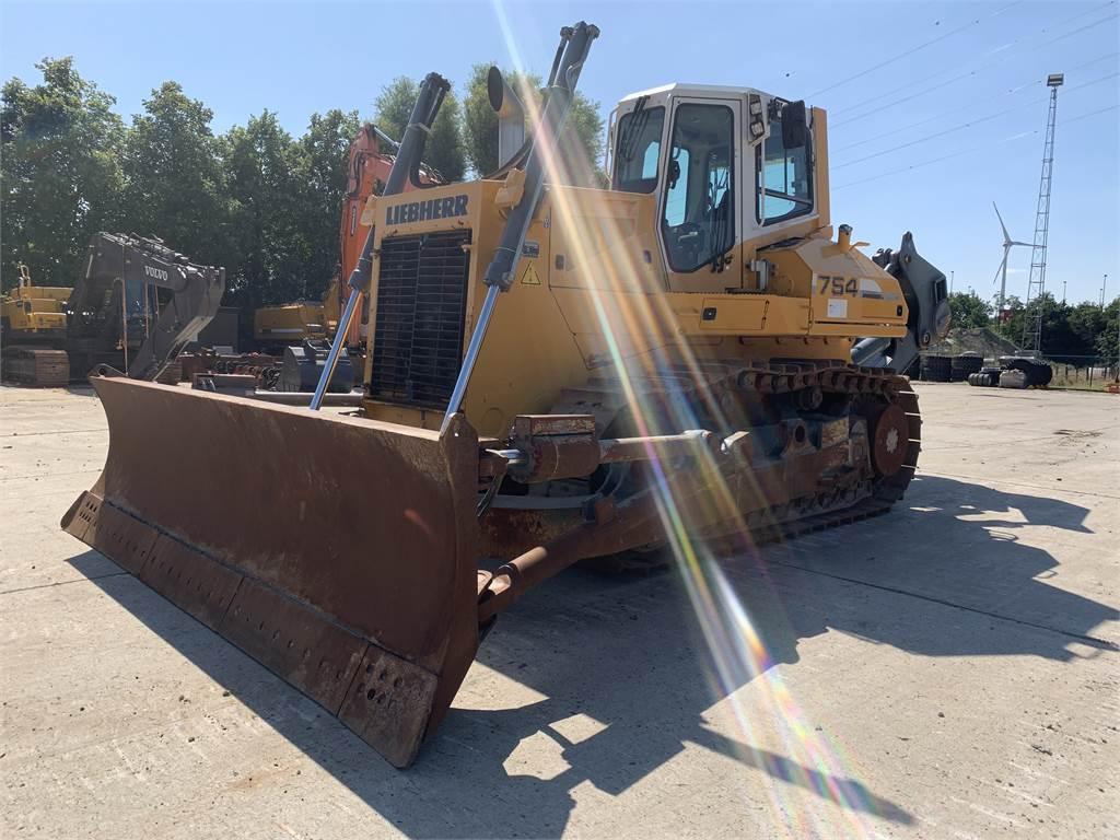 Liebherr PR 754, Crawler dozers, Construction