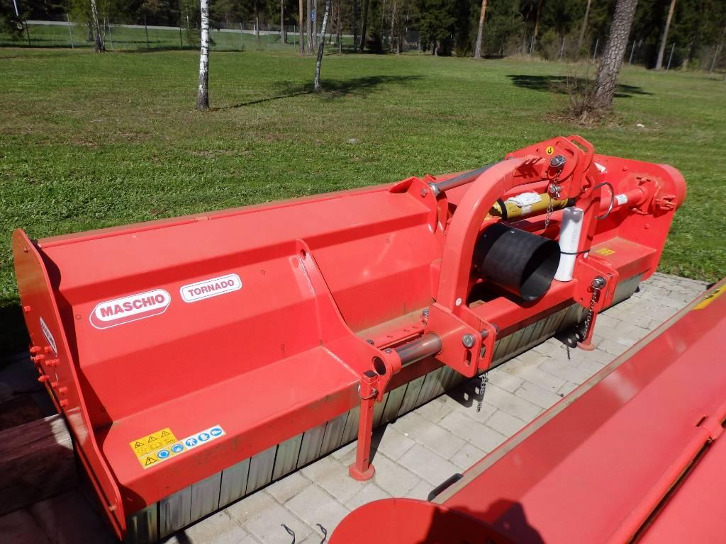 Maschio Tornado 310, Karjamaade niidukid / pealselõikurid, Põllumajandus