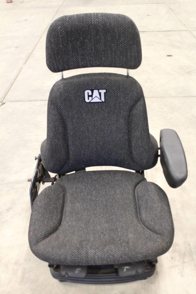 Caterpillar Seat, Cabine, Bouw