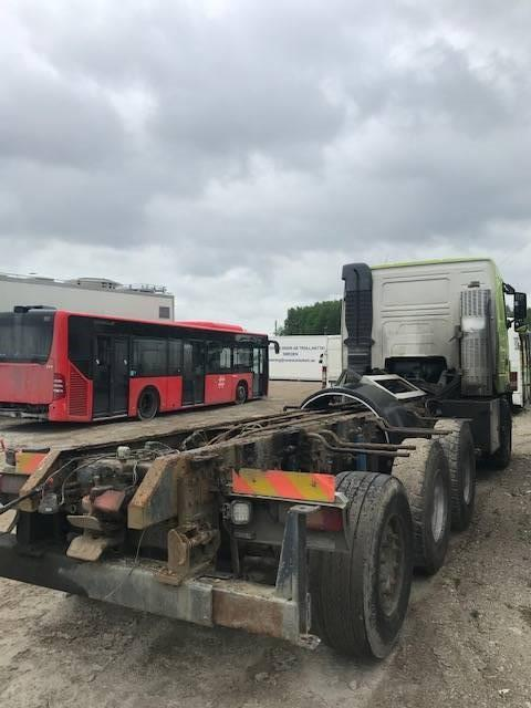 Volvo FH12 8X4 FOR PARTS, Transport chassis and suspension, Trucks and Trailers