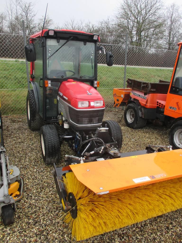 Yanmar EF235-4WD, Kompakte traktorer, Have & Park