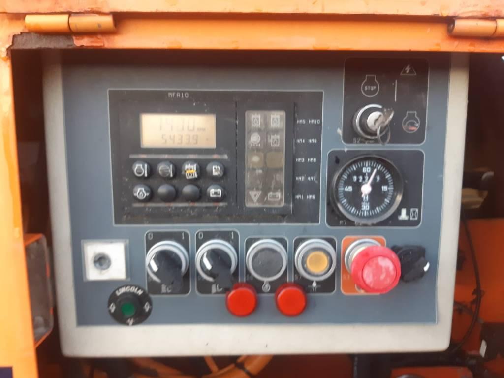 Tamrock Scout THC 700, Borrutrustning för ytborrning, Entreprenad