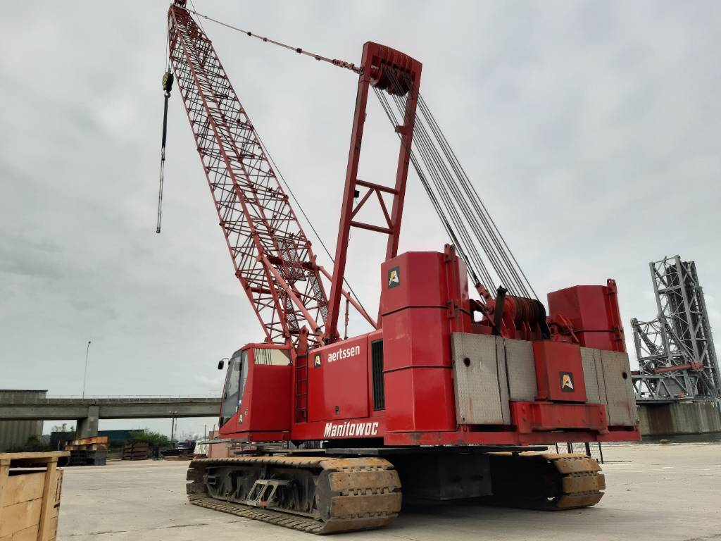 Manitowoc 555 II, Tracked cranes, Construction