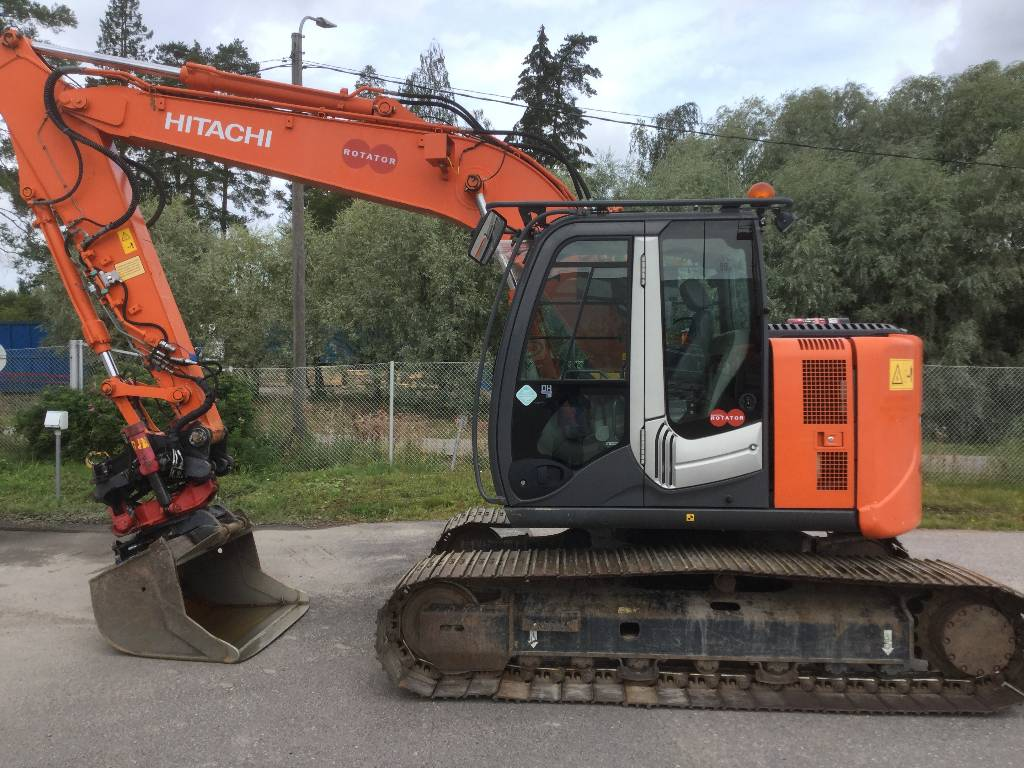 Hitachi ZX135US-3, Crawler excavators, Construction