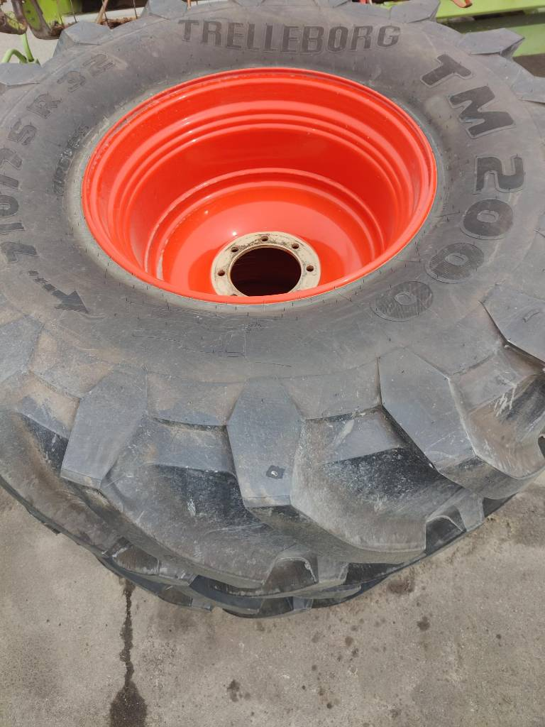 Trelleborg TM 2000, Padangos, ratai ir ratlankiai, Žemės ūkis