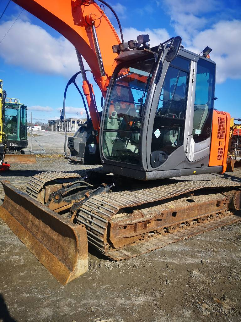 Hitachi ZX 135 US-3, Crawler Excavators, Construction Equipment