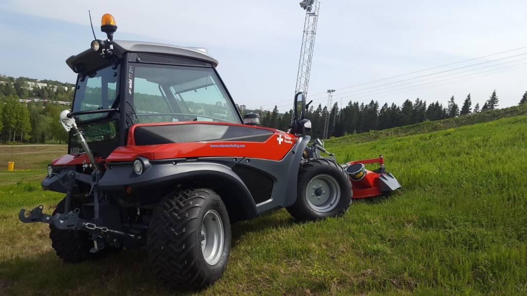 Aebi TT211, Redskapsbärare, Grönytemaskiner