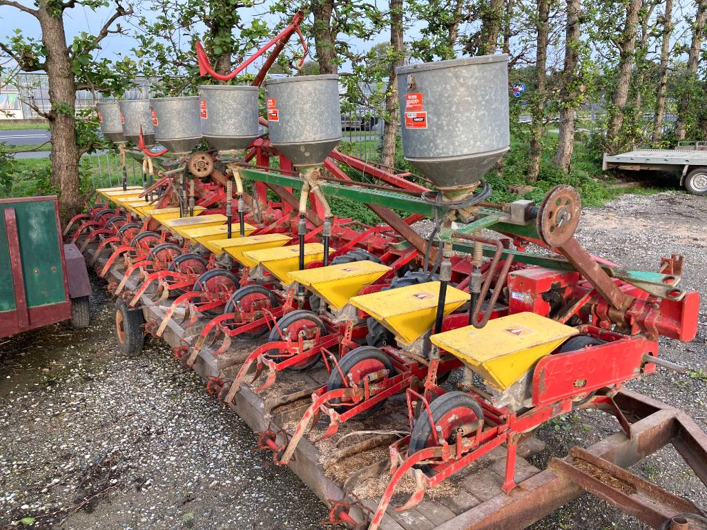 Becker Centra Drill bietenzaaier 12 rijen, Precisiezaaimachines, All Used Machines