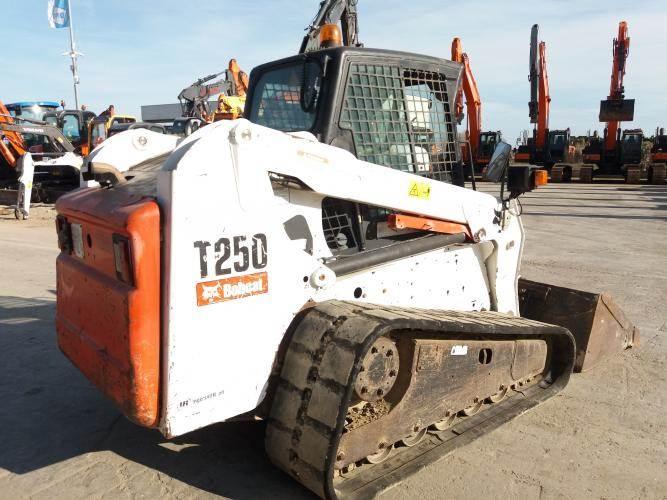Bobcat T250, Skid Steer Loaders, Construction Equipment