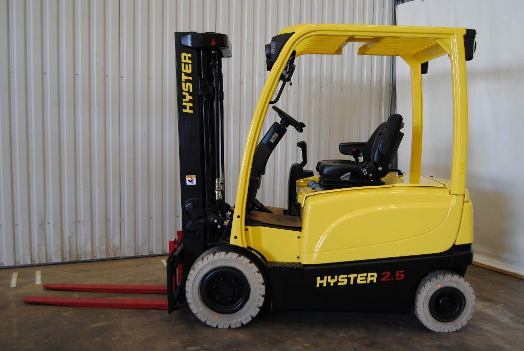 Hyster J2,5XN, Elmotviktstruckar, Materialhantering