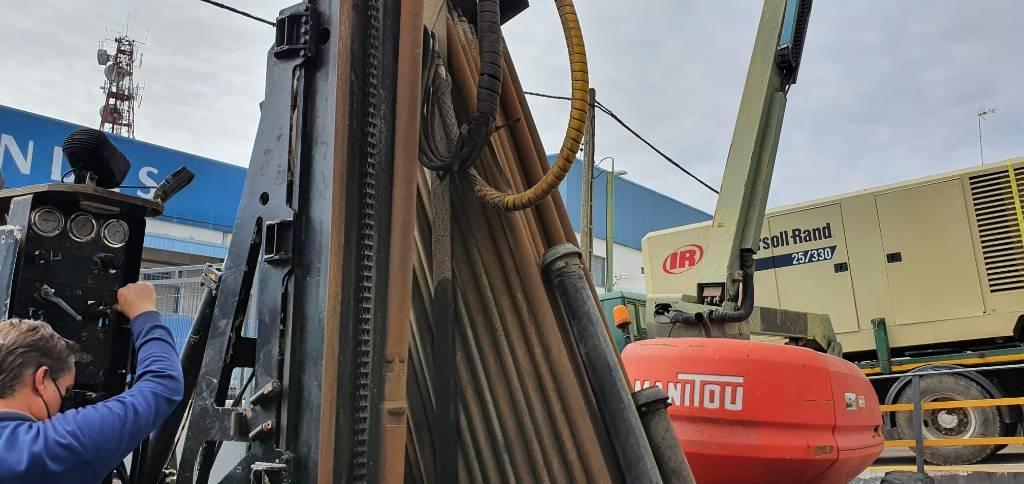 Nemek 300C, Perforadoras, Construcción