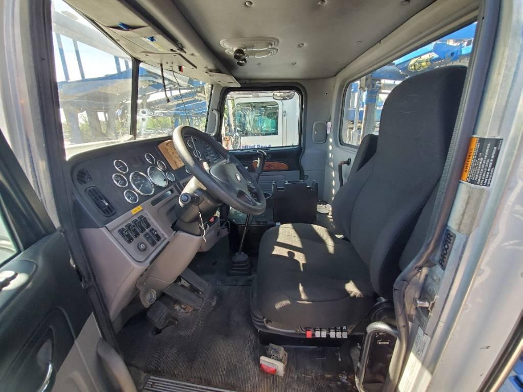 9563 Peterbilt 365, Car Haulers, Trucks and Trailers