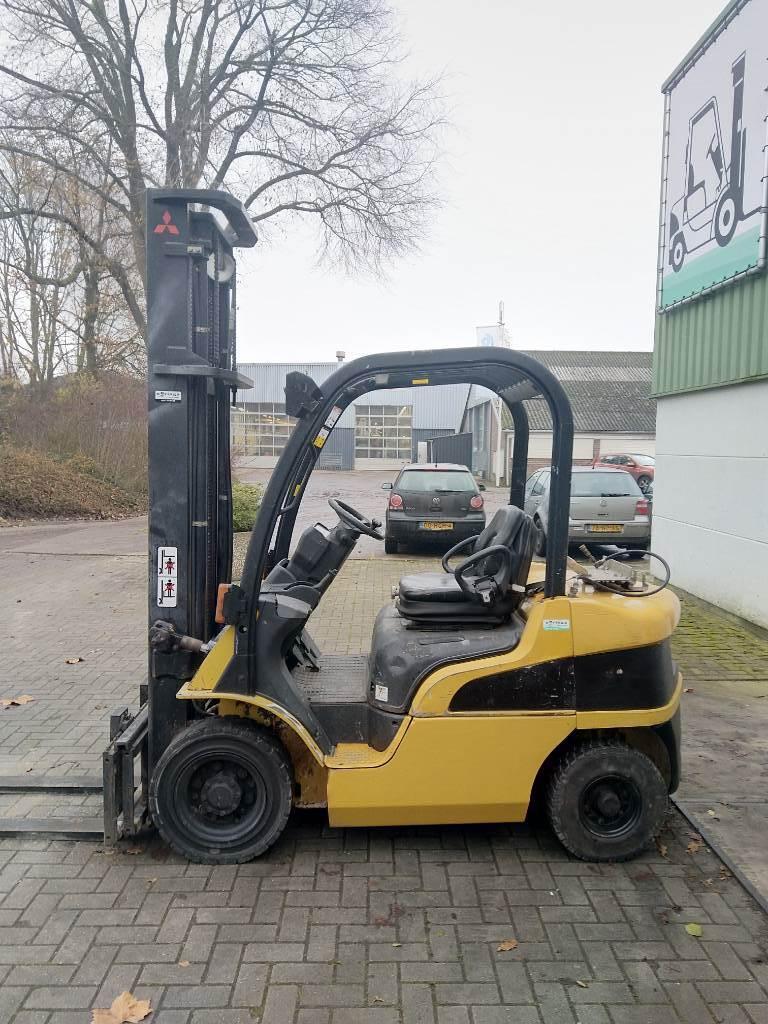 Caterpillar GP25N Heftruck, LPG heftrucks, Laden en lossen