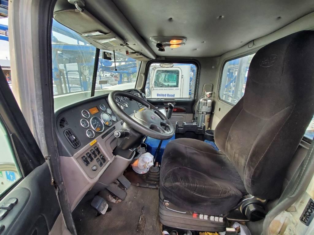 9689 Peterbilt 365, Car Haulers, Trucks and Trailers