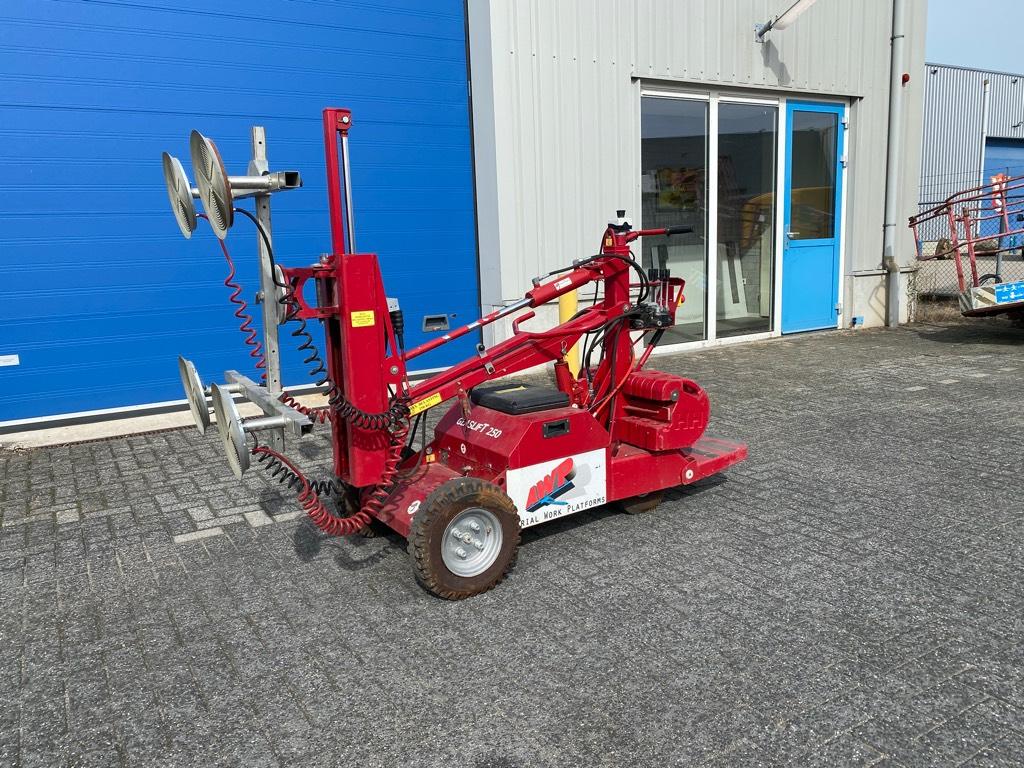 GlasLift 250, Zelfrijdend, 250 kg., Andere liften en hoogwerkers, Bouw