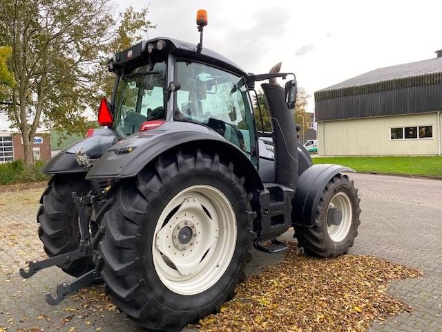 Valtra T214 Versu SmartTouch, Tractoren, Landbouw
