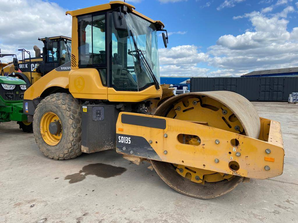 Volvo SD135, Single drum rollers, Construction