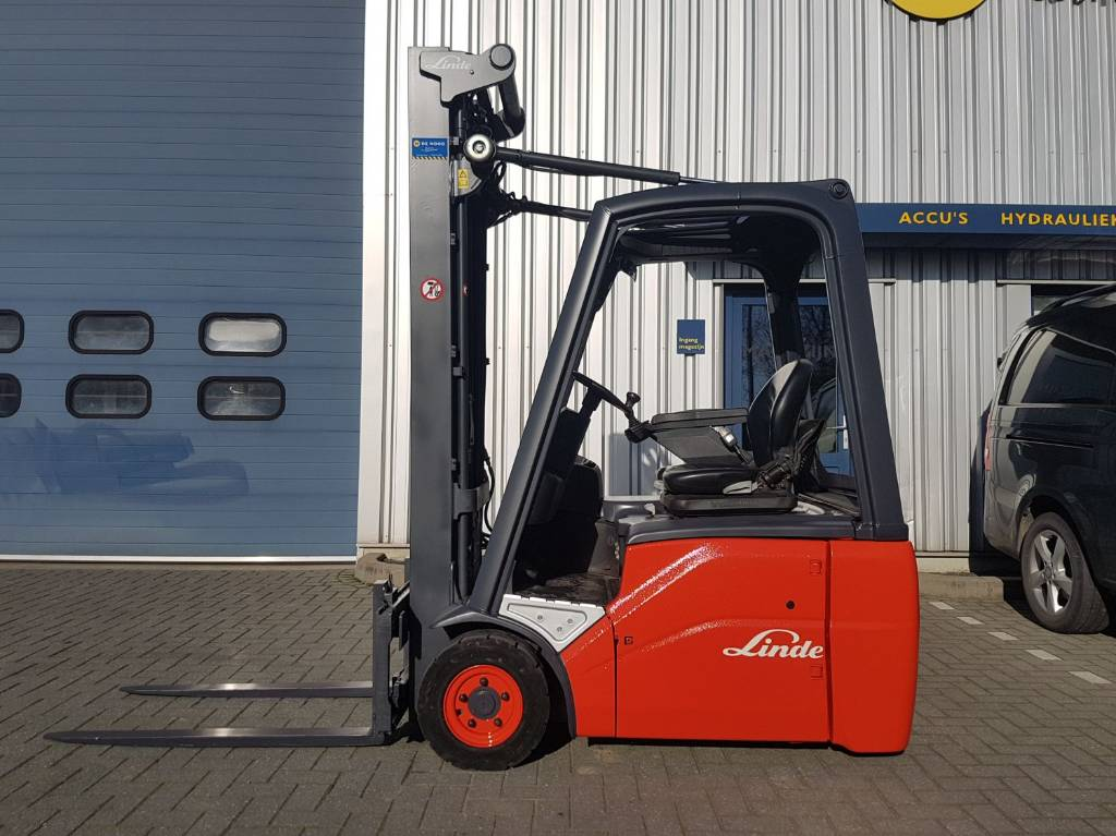 Linde E16C-01, Electric heftrucks, Laden en lossen