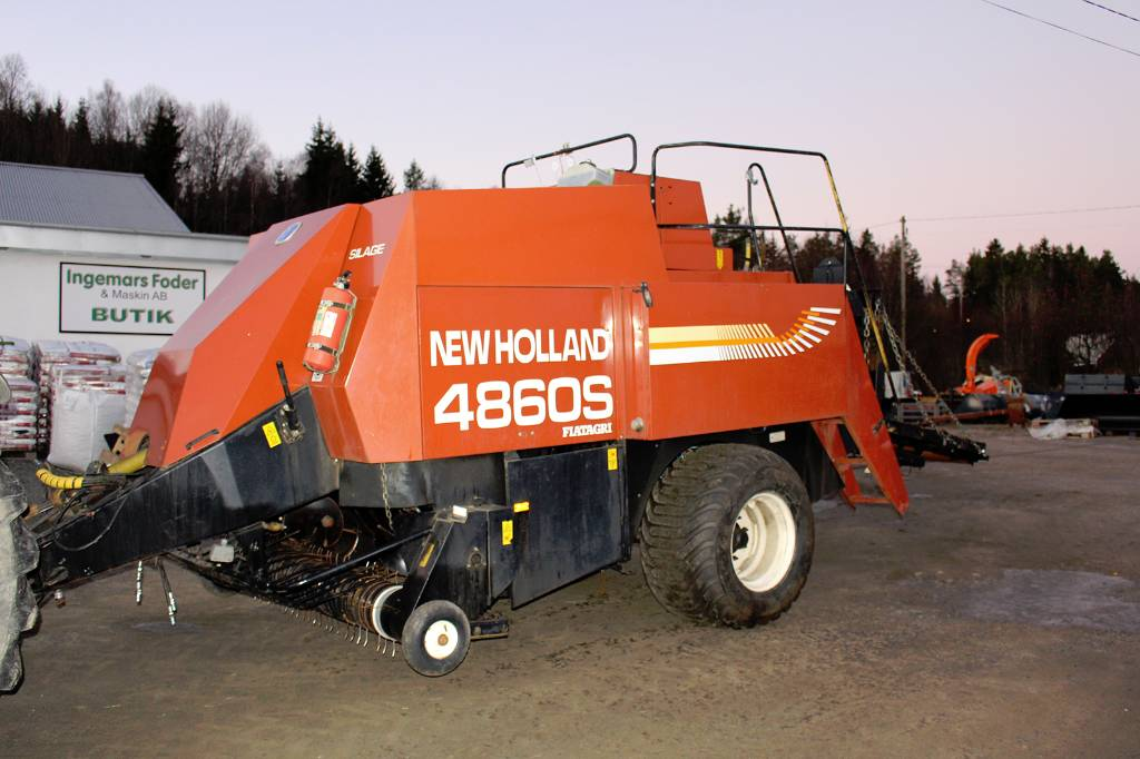 New Holland 4860 S CROPCUTTER