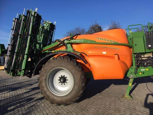 Amazone UX 4200-27-3 DCS, Trailed sprayers, Agriculture