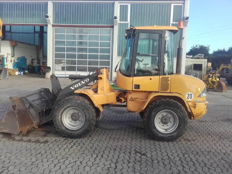 Volvo L30B, Radlader, Baumaschinen