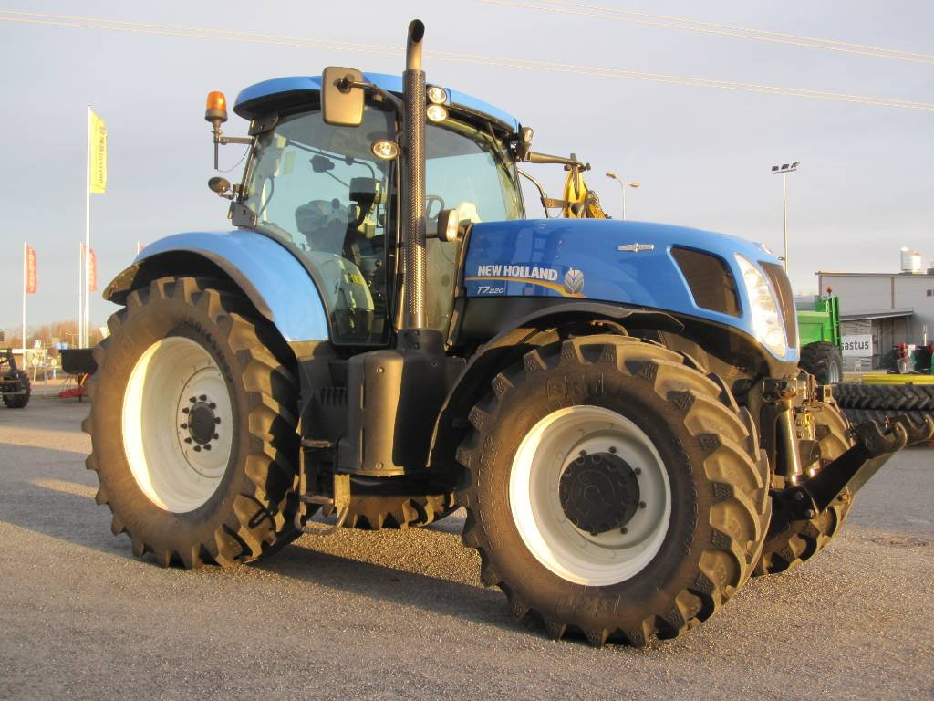 New Holland T 7.220 AC, Traktorit, Maatalous