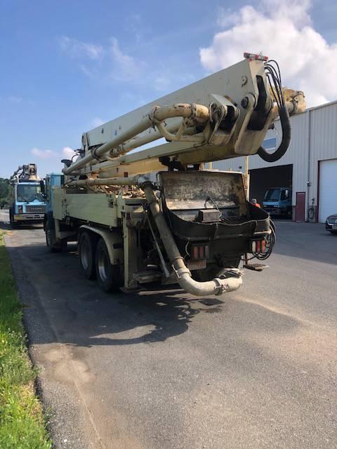 Schwing 32XL, Boom Pumps, Construction Equipment