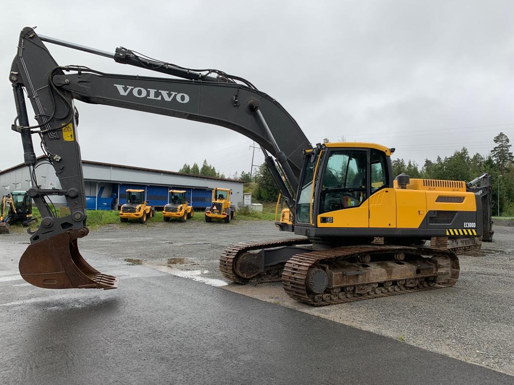 Volvo EC 300 D N L, Telakaivukoneet, Maarakennus