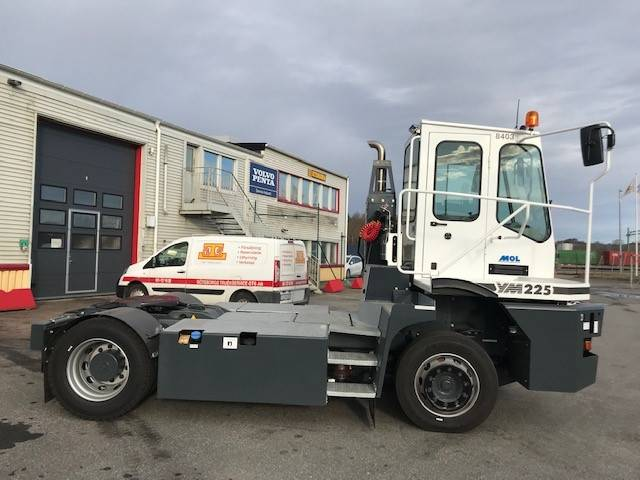 [Other] Terminaltraktor MOL YM225/4x2 Hyr/Köp, Terminaltraktorer, Materialhantering