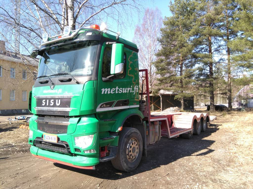 Sisu ASIAKKAAN LUKUUN Polar Carrier 8x2, Flatbed / winch trucks, Transportation